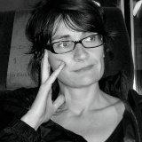 Nuria Ruiz de Viñaspre, poeta y editora. Directora de colección eme