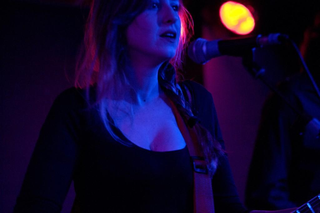 La poeta y cantante Carolina Otero. Fotografía de Juan Terol.