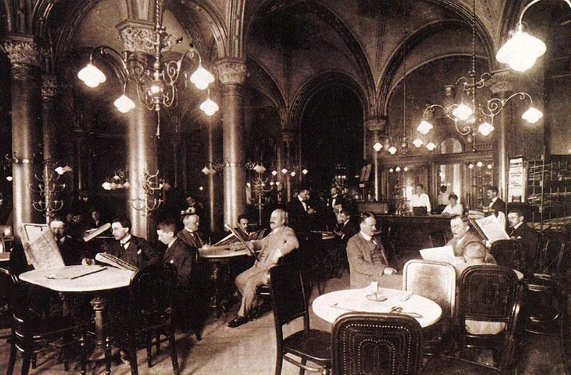 Café Central hacia el periodo de entresiglos.