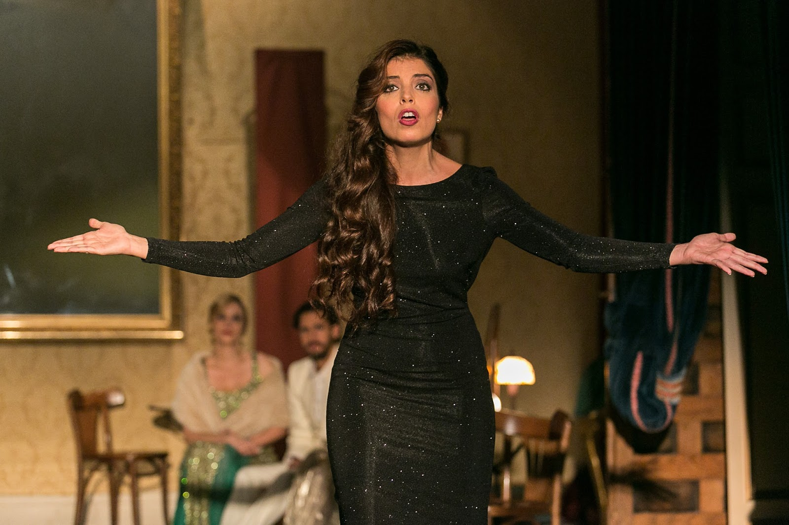 Soleá Morente en Clara Bow. Tanqeray Stage. Vestuario de Ester Lucas Jaqueti. Fuente: BFaceMagacine.