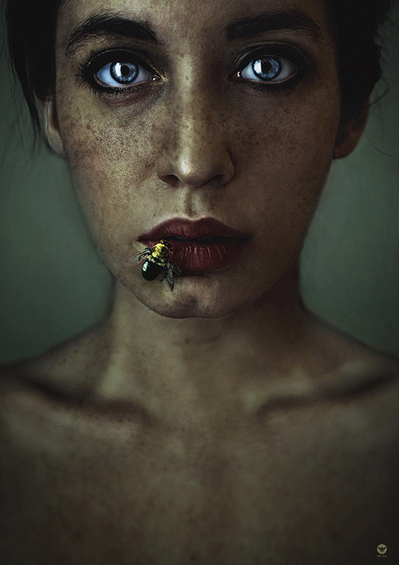 Honeylips.