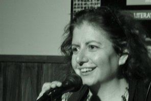 Cuando rebasa el mar. Antología de poesía femenina argentina IX