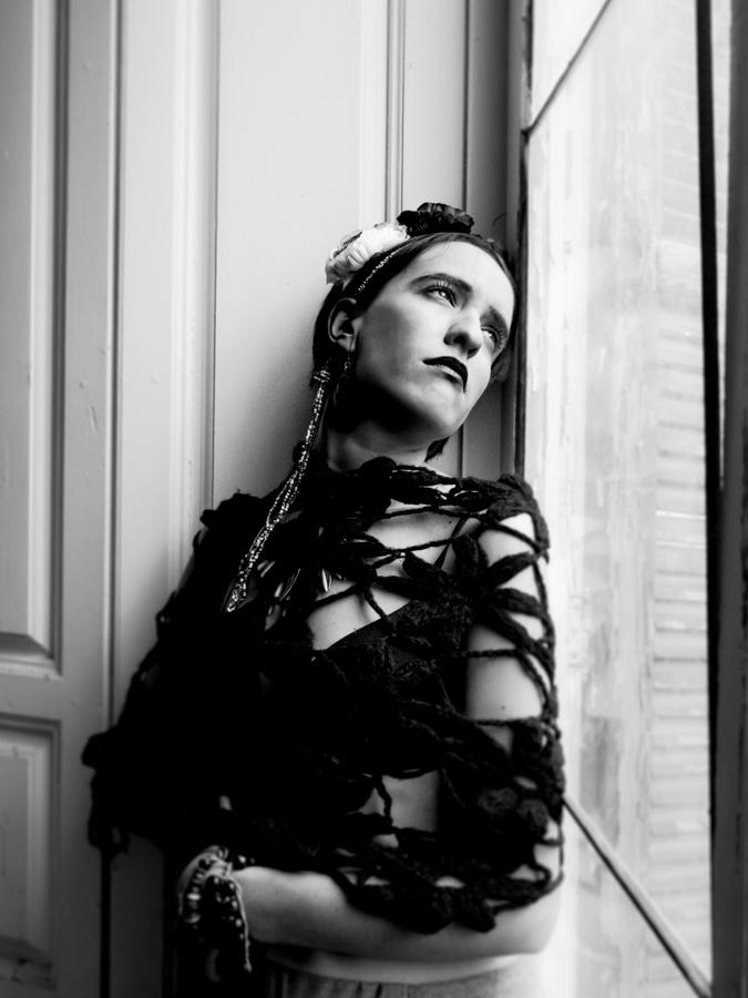 Quiero estar dentro de tu todo más oscuro. [Frida Kahlo]